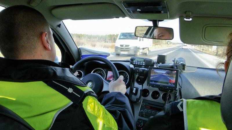 Nietrzeźwy, poszukiwany i z zakazem prowadzenia pojazdów zatrzymany!