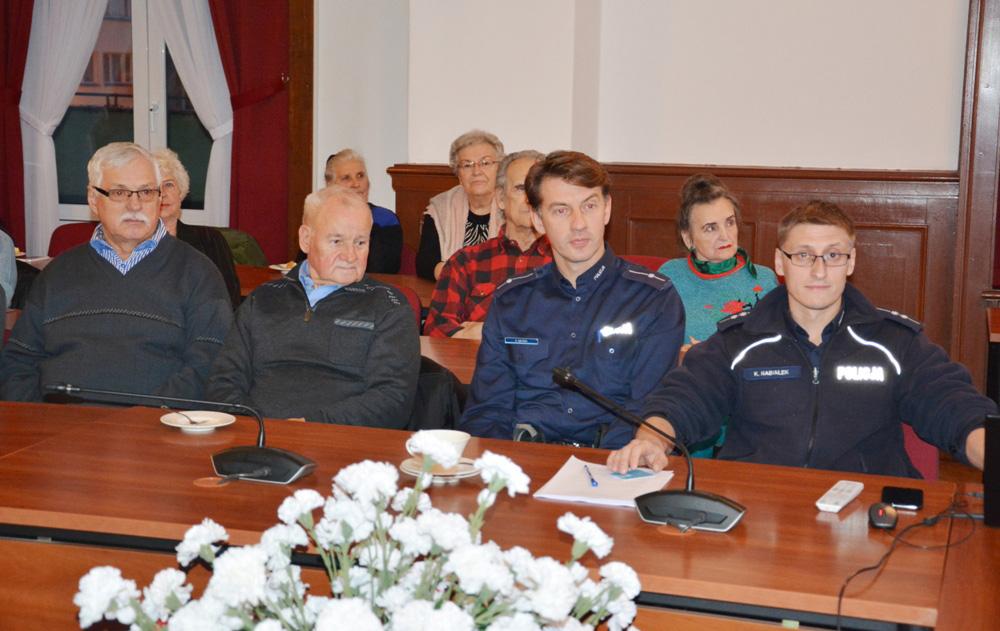 "Debata ""Bezpieczny Senior"" [FOTO]"