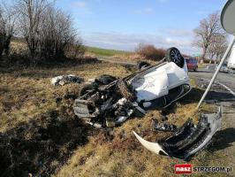 Groźny wypadek na DW nr 374! [FOTO]